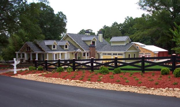 Viking Fence offers residential and commercial fence installation in Dunwoody, Ga.
